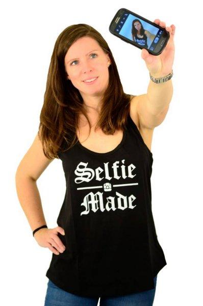 Selfie Tank Top Black